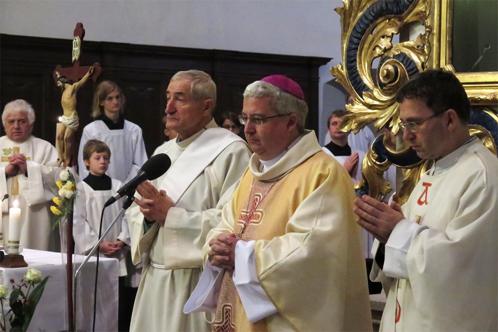 Novým varhanám v kostele sv. Martina požehnal biskup Konzbul