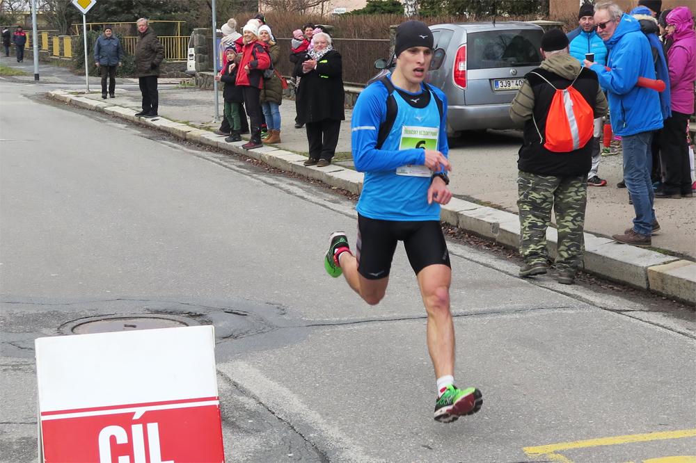 Jan Janů stanovil nový rekord běhu ke Klučovské hoře