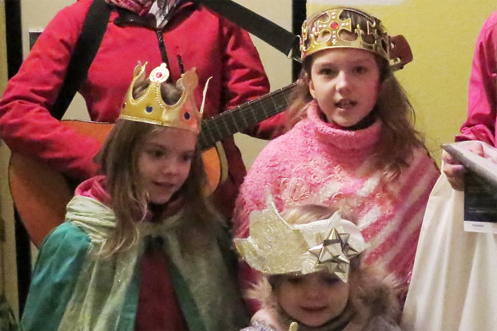 Na náměstí uvítají tři krále a zahájí Tříkrálovou sbírku
