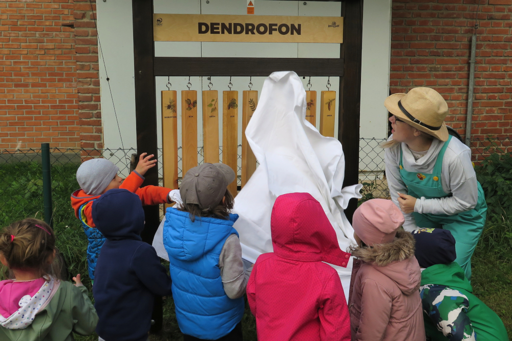 Školka Na Hradě slavila dožínky a představila novinky na zahradě