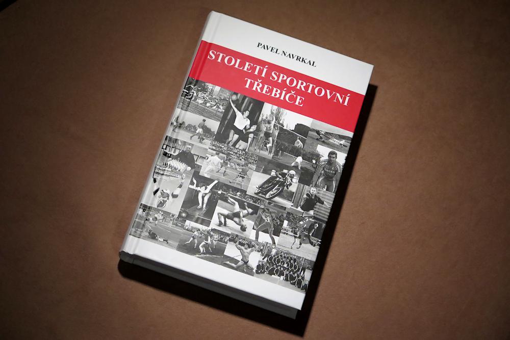 Do knihkupectví přichází kniha plná třebíčského sportu
