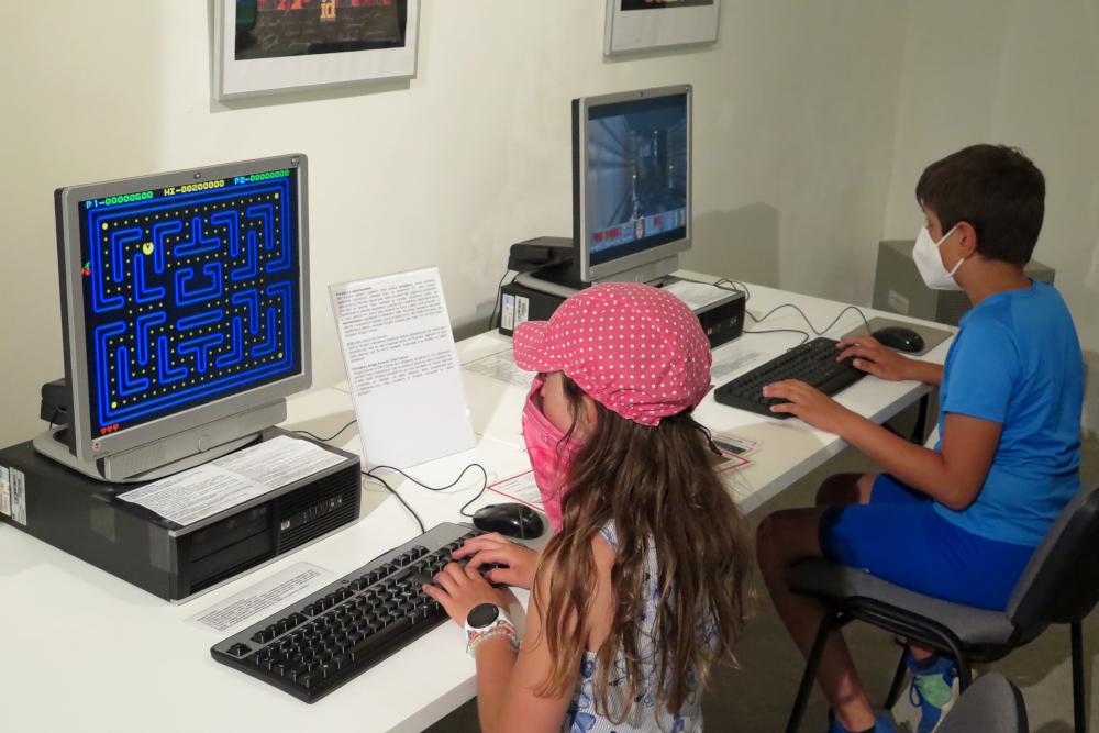 Nová výstava na třebíčském zámku vám ukáže pravěk. Počítačový